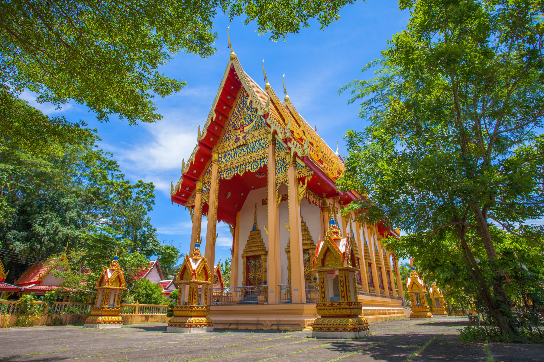 Phuket highlights Wat Phra Thong