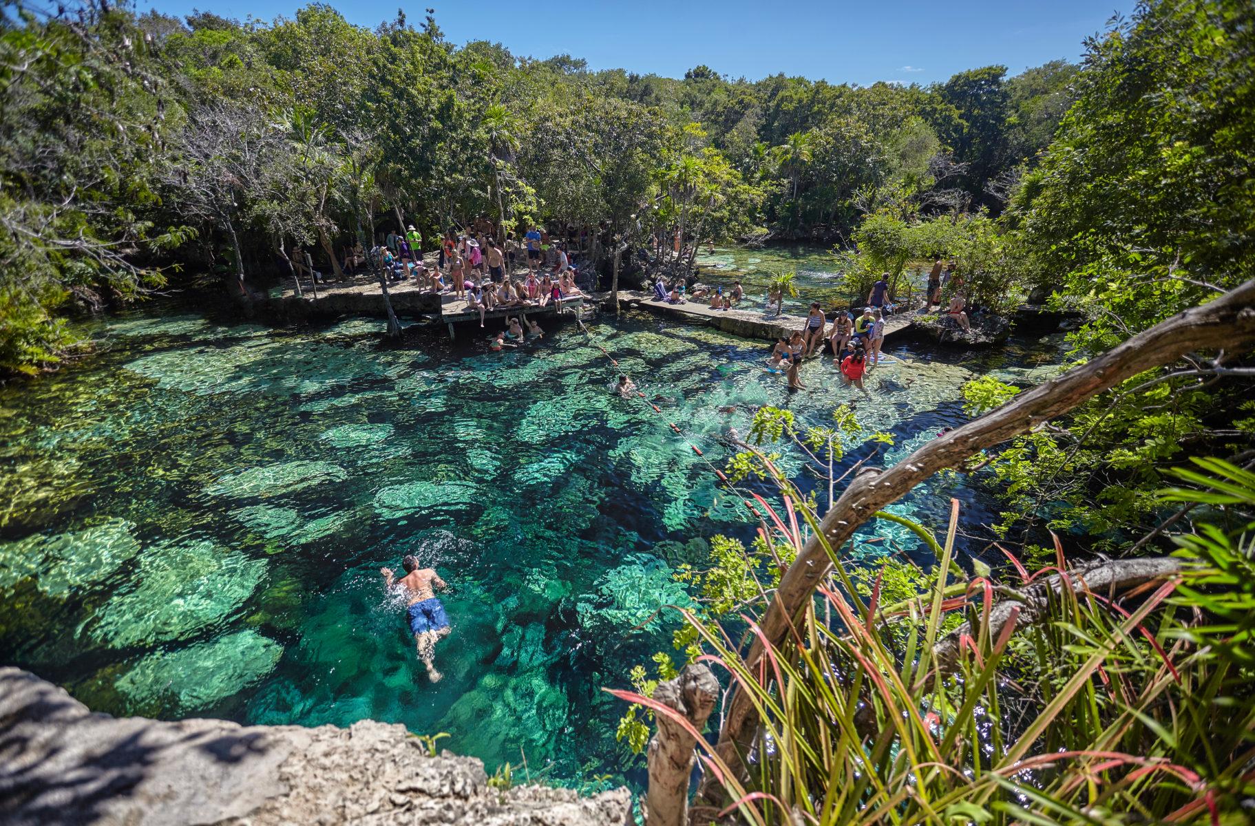 Cenote Azul, Cancún