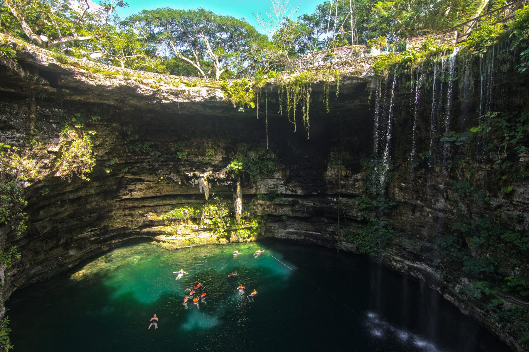 Cenote Maya, Cancún
